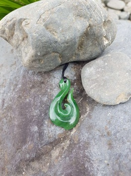 Pounamu Pendant - 45mm Hook