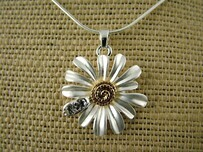 Necklace - Single White Daisy