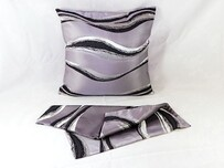 Cushion / Wave Purple and Silver
