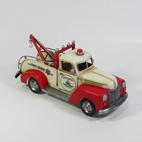 Model-Vintage Tow Truck