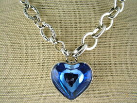 Necklace - Blue / Turquoise Glass Chunky heart Necklace