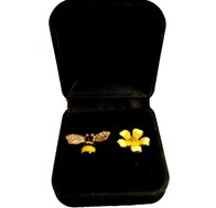 Earrings - Bee & Flower Stud