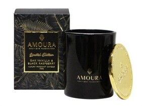 Amoura Fragrant Candles - Oak Vanilla & Black Raspberry