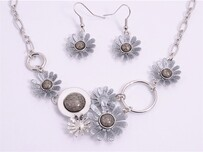 Necklace - Grey & White Daisy Set
