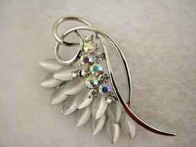 Brooch - White Wing