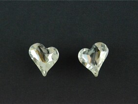 Earrings - Glass Heart Stud