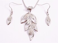 Necklace - Silver Diamante Leaves Set