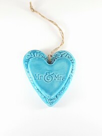 Hasina Arts - Ceramic Heart - Mr & Mrs