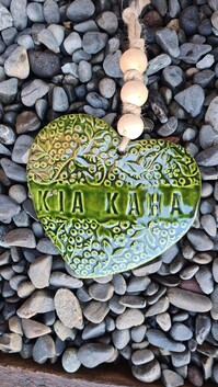 Hasina Arts - Ceramic Heart Kia Kaha
